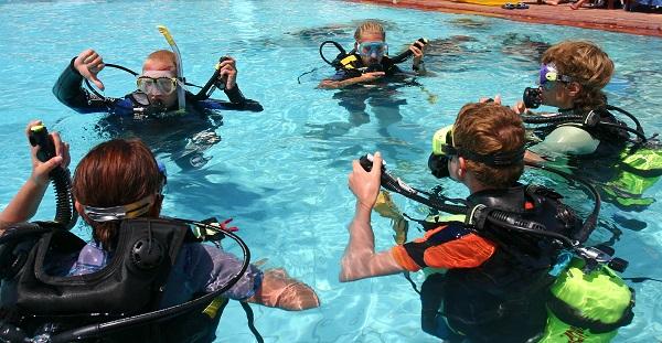 Learn to Dive in Arizona | Scuba Certification AZ | SDI Open Water ...