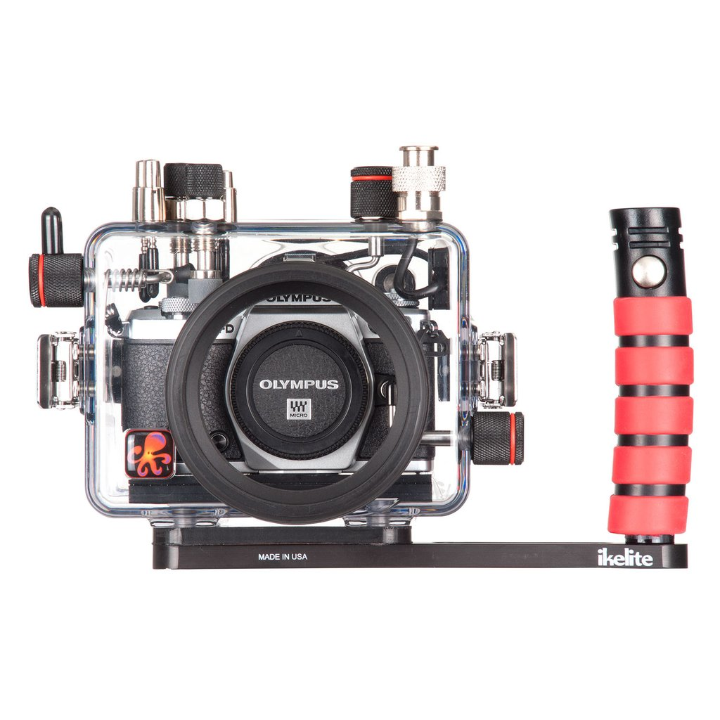 200DLM/A Underwater TTL Housing for Olympus OM-D E-M5 Mark II Mirrorless  Micro Four-Thirds Camera